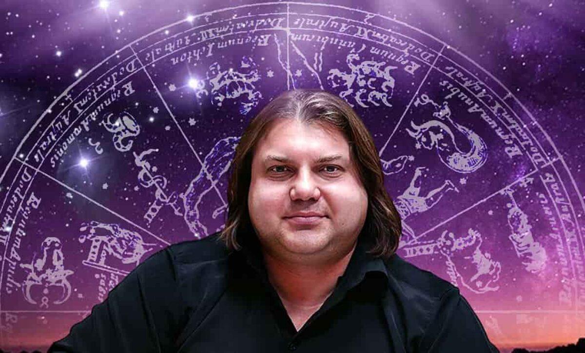 Опасное полнолуние в сентябре: астролог предупредил, от чего стоит держаться подальше - today.ua
