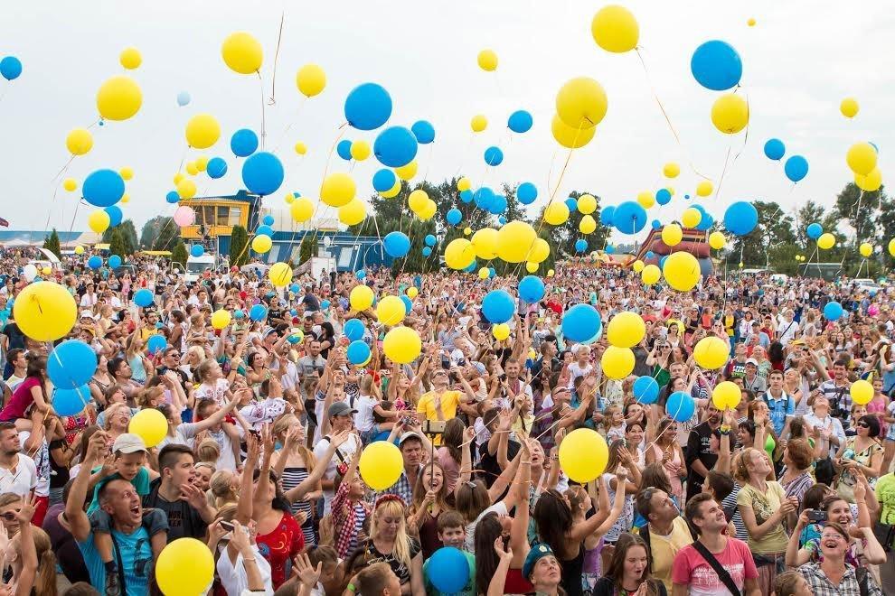 Українці розповіли всю правду, в якій країні хотіли би народитися
