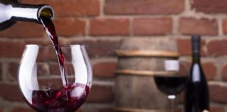 Вино спасет от коронавируса: ученые пришли к невероятному открытию - today.ua