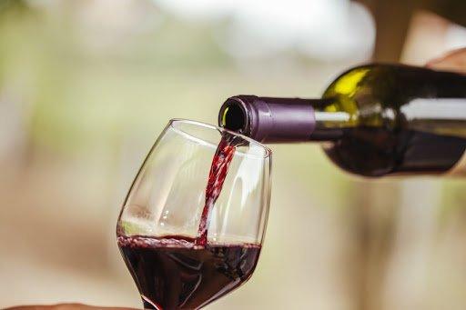 Вино спасет от коронавируса: ученые пришли к невероятному открытию