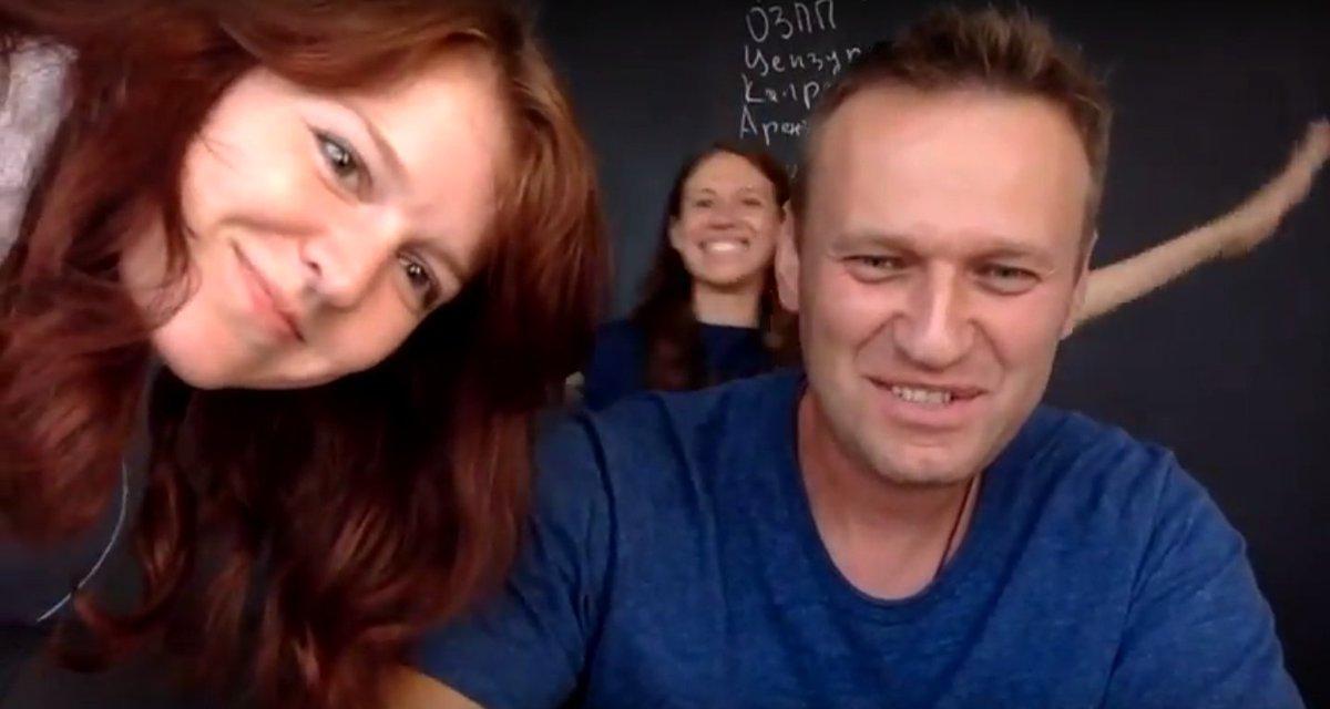 """Прес-секретар Навального розповіла подробиці фатального рейсу: """"Він кричав не від болю ..."""""""