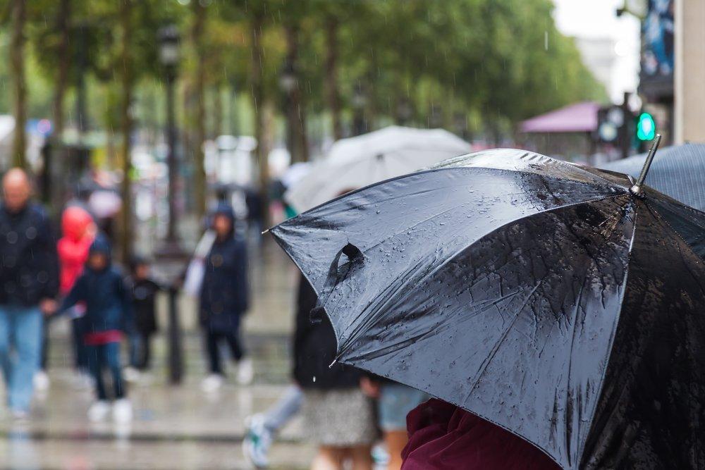 Украину накроют дожди, но не везде: синоптики рассказали, кому повезет с погодой в начале недели - today.ua