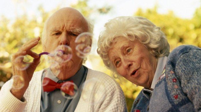 Здорові звички довгожителів: вчені з'ясували, як дожити до 100 років
