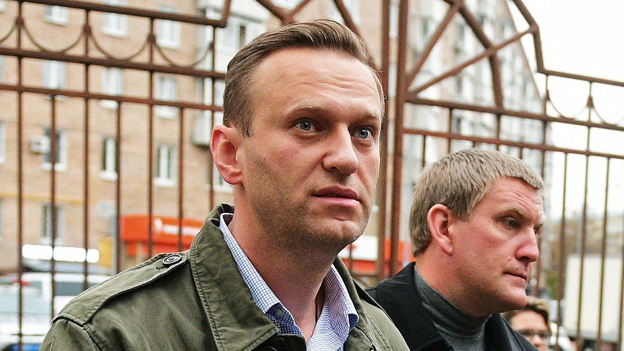 Адвокат рассказал, зачем отравили Навального: «Убивать не собирались» - today.ua