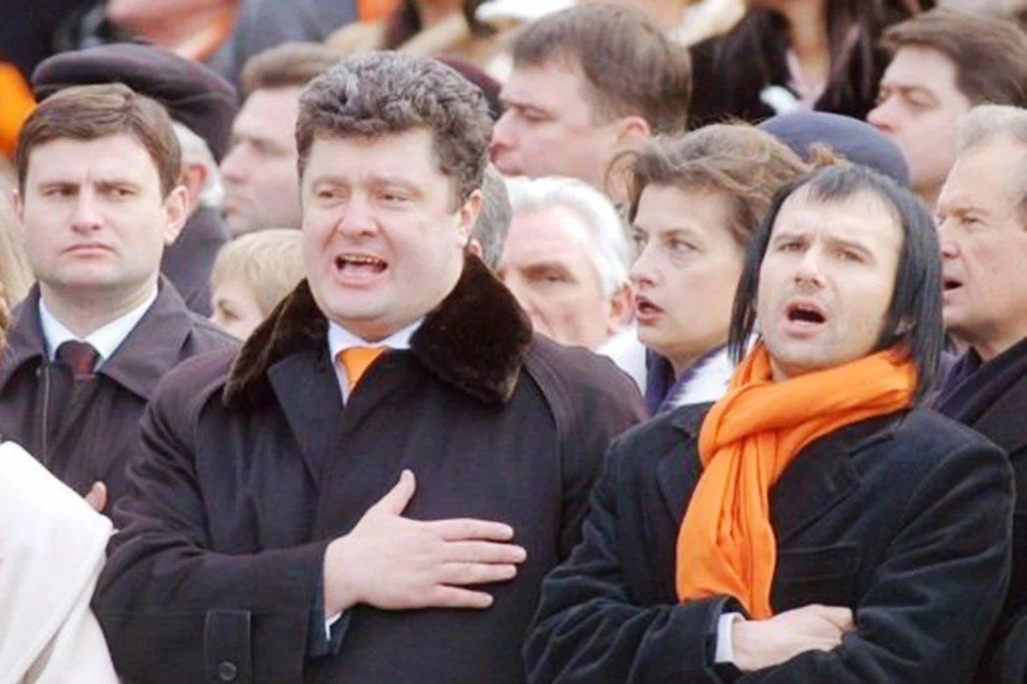 Порошенко и Вакарчуку заморозили активы в РФ: политики попали под санкции