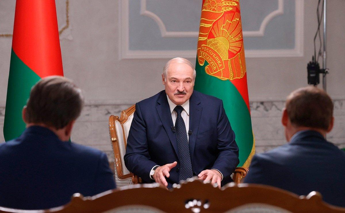 Лукашенко заявил, что после его ухода в стране начнется резня: «Я просто так не уйду» - today.ua
