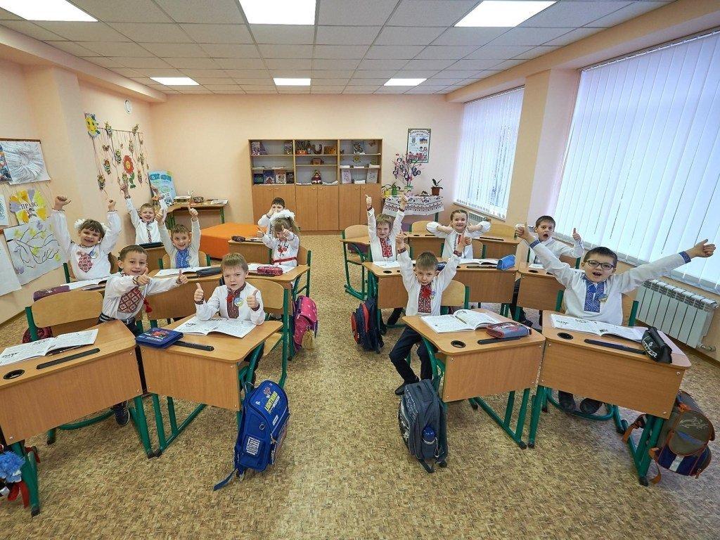 Когда в Украине закроют все школы и детсады: время тотального карантина приближается