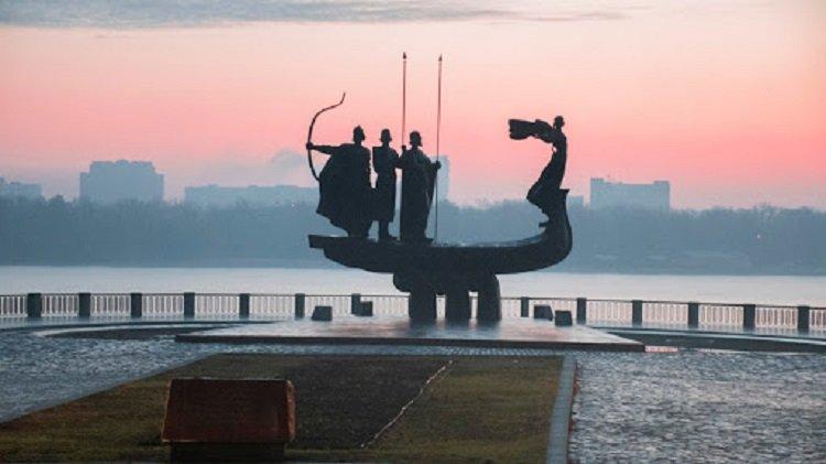 В Киеве в продажу поступили сувениры с «запахом столицы»: оригинальная новинка для туристов - today.ua
