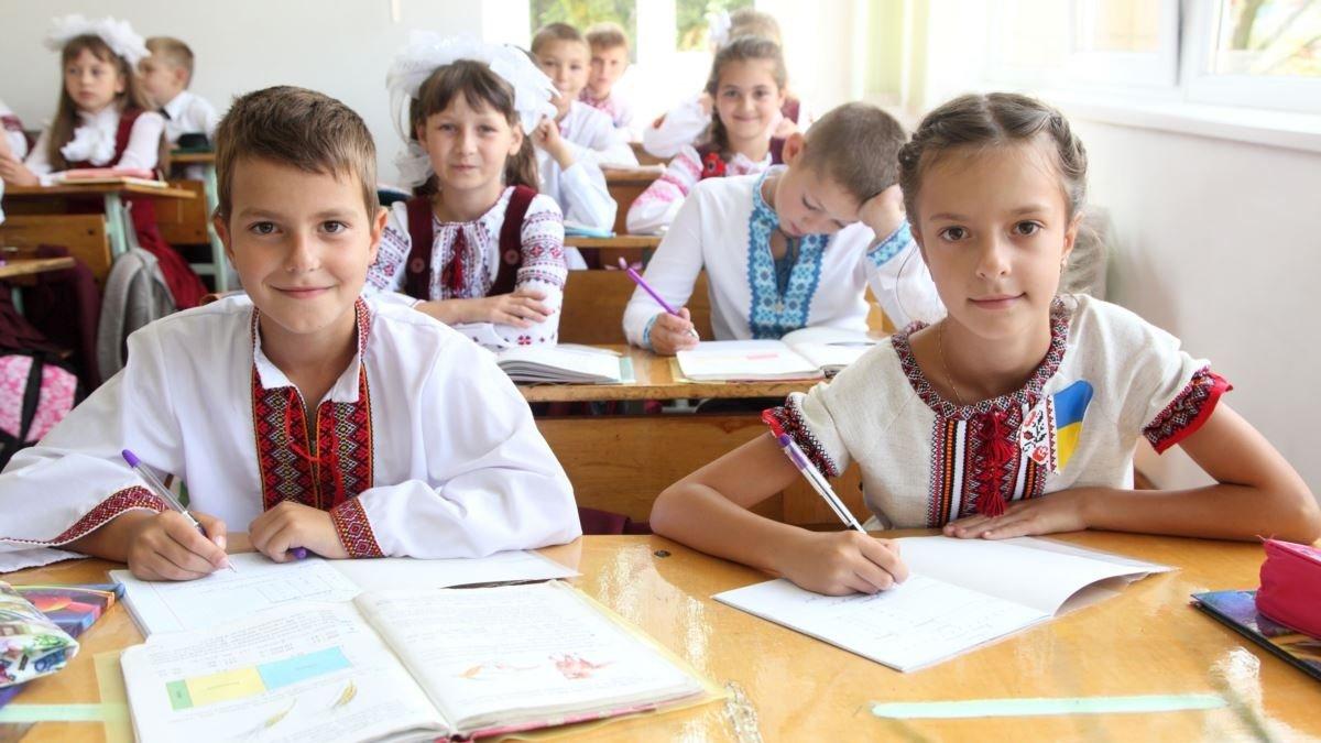 Местные выборы проведут, а потом закроют школы: стали известны планы правительства Украины - today.ua