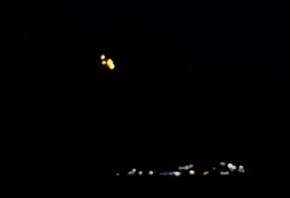 У небі Одеси помітили НЛО: дивні вогні потрапили на відео