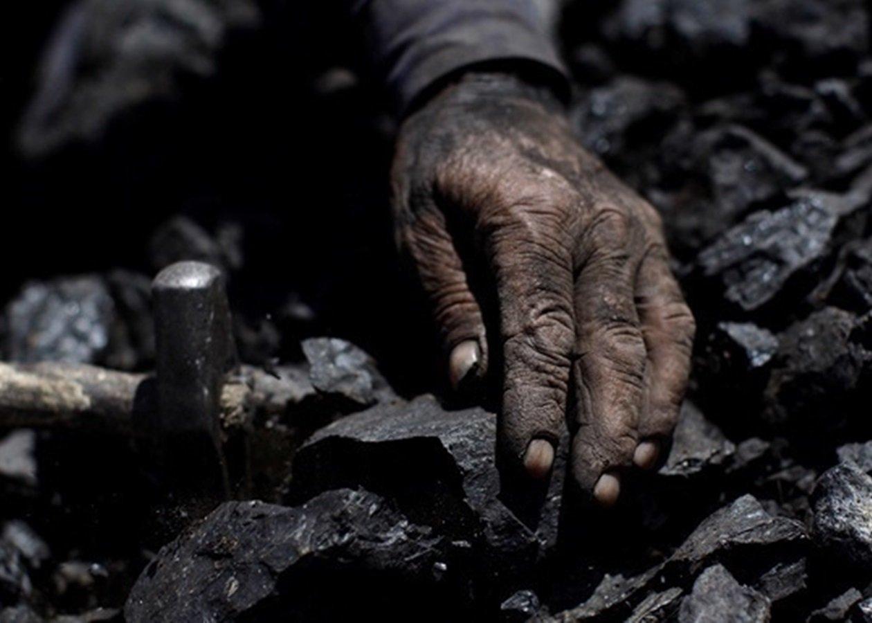 Шахти і промислові підприємства в Україні закриють в будь-якому випадку: суть реформи вугільної галузі