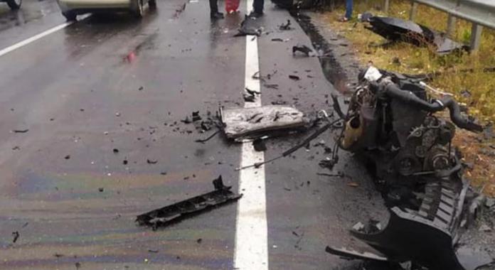 Смертельное ДТП под Черниговом: авто вылетело на ограждение, двое человек погибли