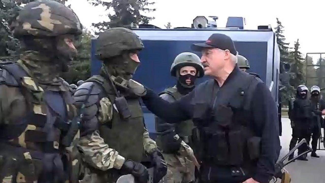 Лукашенко вслед за Лавровым обвинил Украину в дестабилизации ситуации в Беларуси