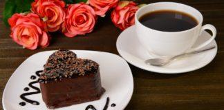 """Шоколадний торт без яєць і сметани: рецепт легкого та дуже смачного десерту до чаю або на святковий стіл"""" - today.ua"""