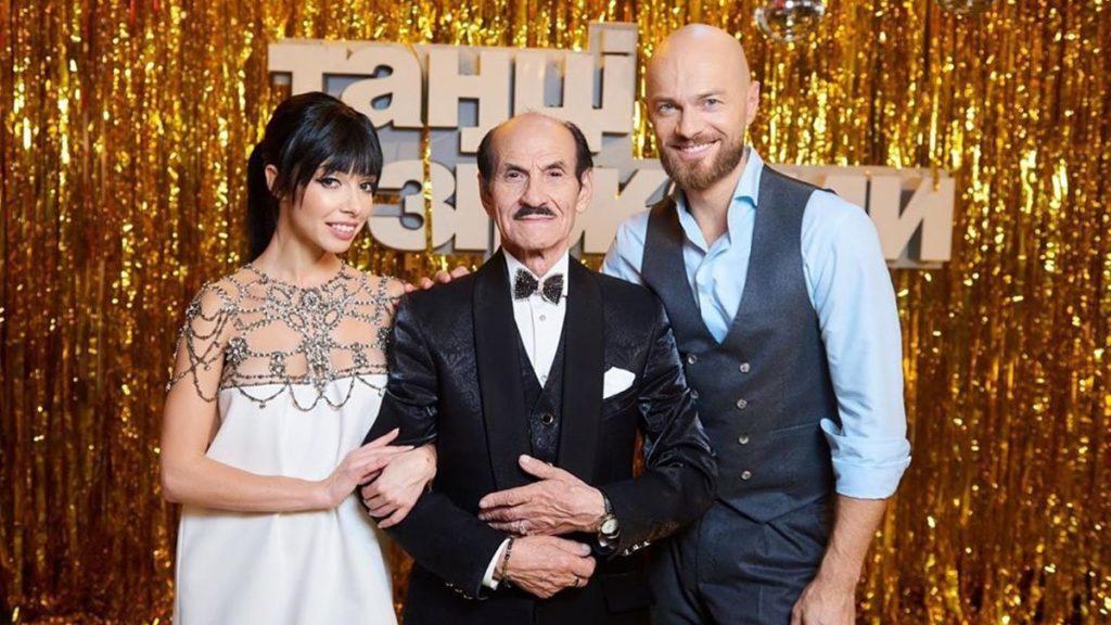 """Судья проекта """"Танцы со звездами"""" женился в четвертый раз: избранница младше на 52 года"""
