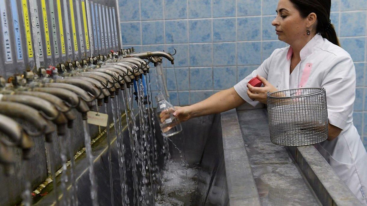 В Україні питну воду перевірили на коронавірус: наскільки небезпечні водопроводи