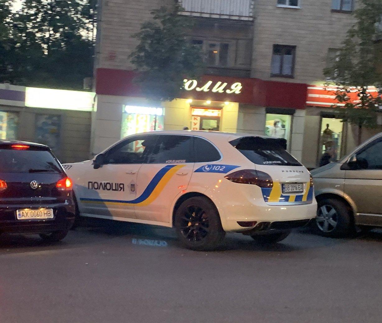 Українська поліція пересіла на Porsche?