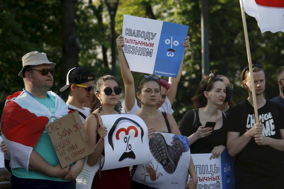 В Білорусі влада пішла на крайні заходи: у протестувальників забирають дітей