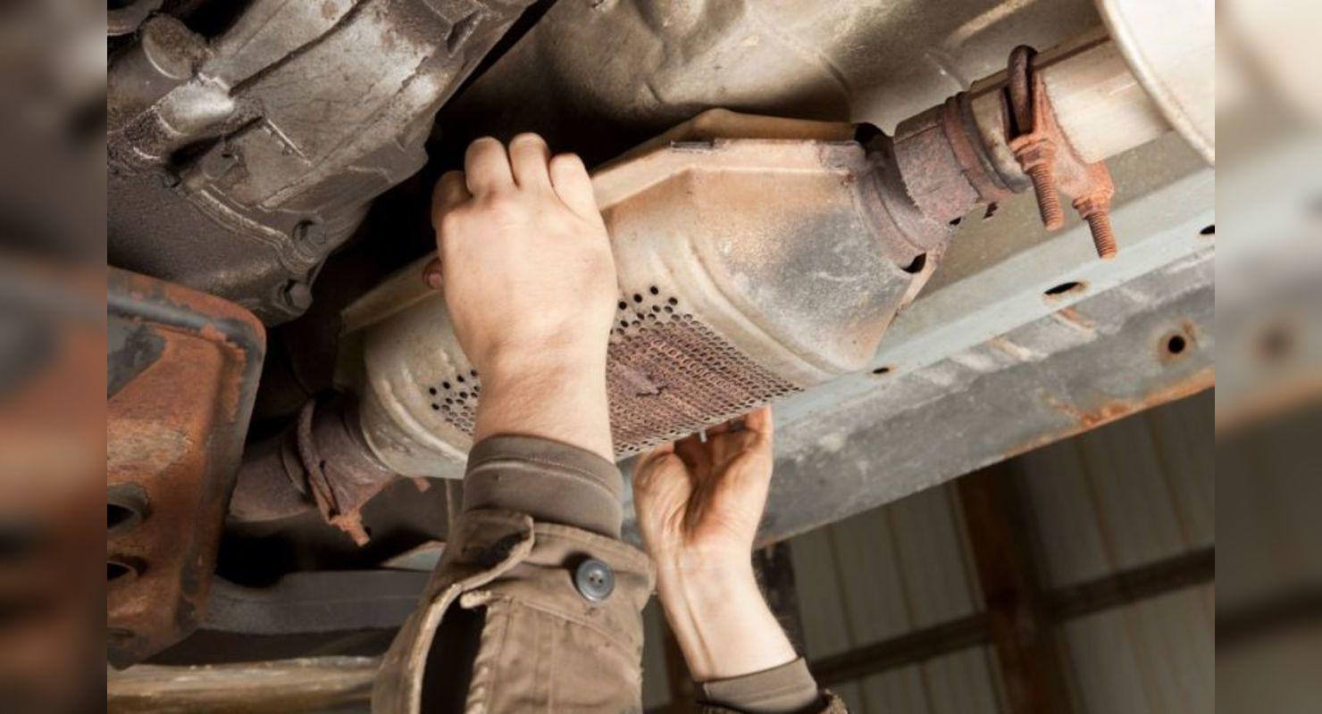 Нужно ли чистить катализатор в автомобиле?