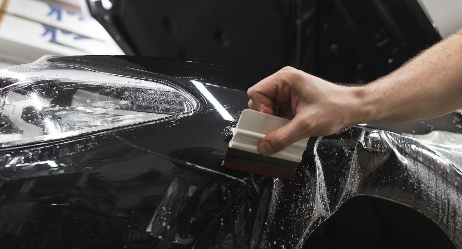 Як захистити лакофарбове покриття та інші елементи кузова?