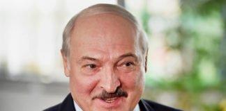 """""""Было бы у меня несколько миллиардов, то я поступил бы, как Порошенко"""": Лукашенко прокомментировал свою любовь к Беларуси     """" - today.ua"""