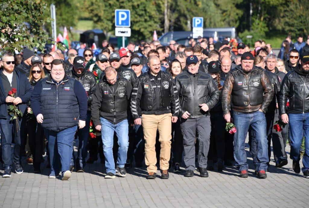 """Сын Лукашенко прокомментировал протесты в Беларуси: """" Нам не страшно"""""""