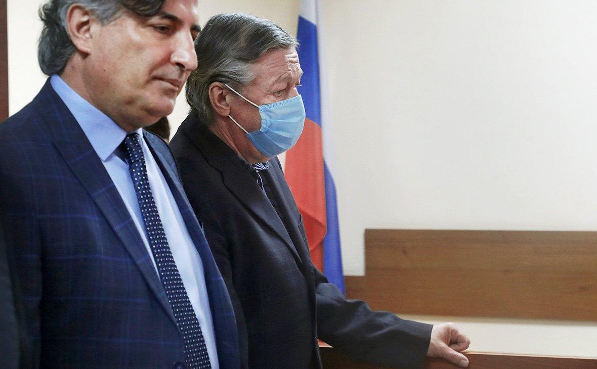 После суда над Ефремовым вскрылась неудобная правда о его адвокате Пашаеве: обманом забрал чужую квартиру - today.ua