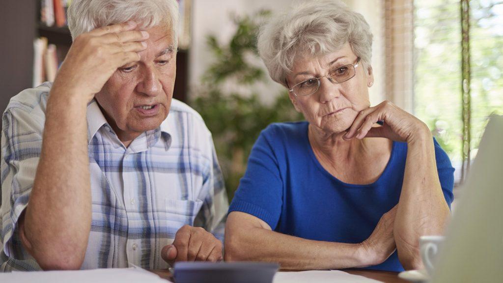 Украинцев заставят выходить на пенсию раньше: детали нового законопроекта