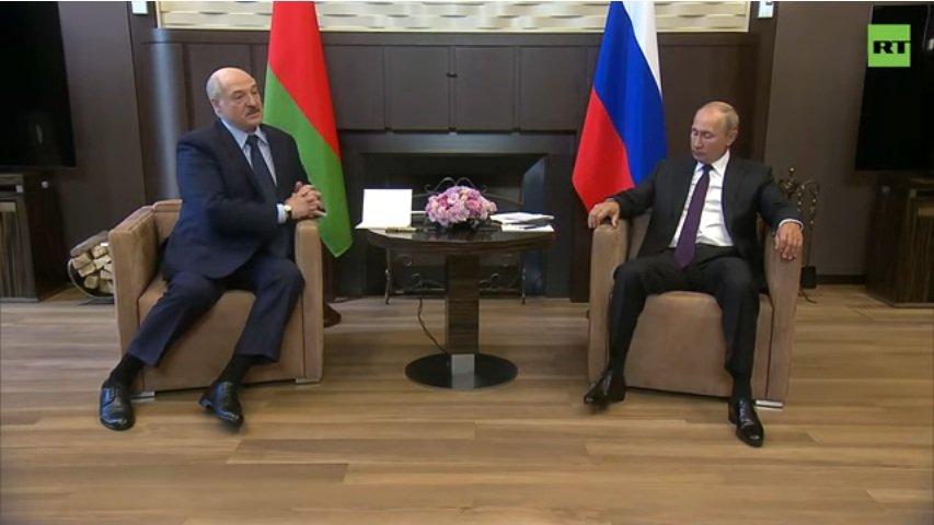 Осень настала - Лукашенко на юг улетел: о чем президент Беларуси будет говорить в Сочи с Путиным