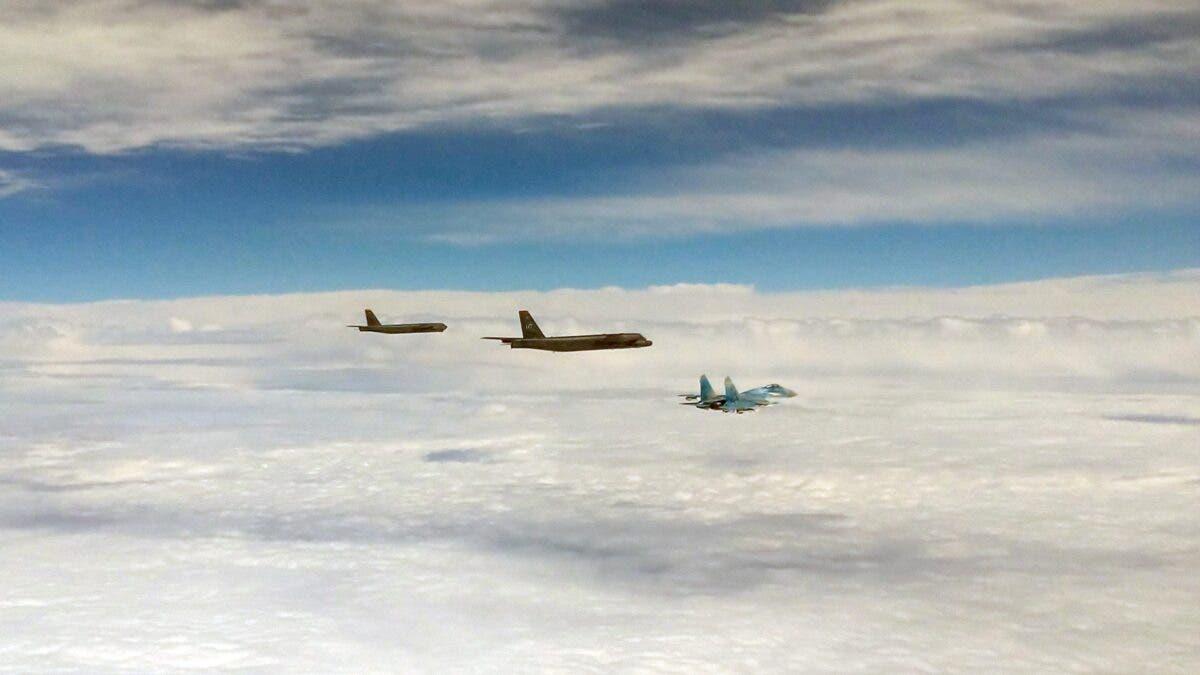 Ядерні бомбардувальники США в небі над Україною: реакція російських військових