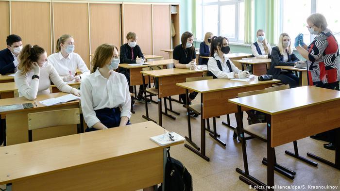 Розгул коронавірусу в школах і дитсадках: антисептики і маски не допоможуть - немає основного