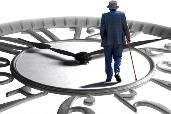 В Украине повысят пенсионный возраст: на пенсию все будут идти в 65 лет
