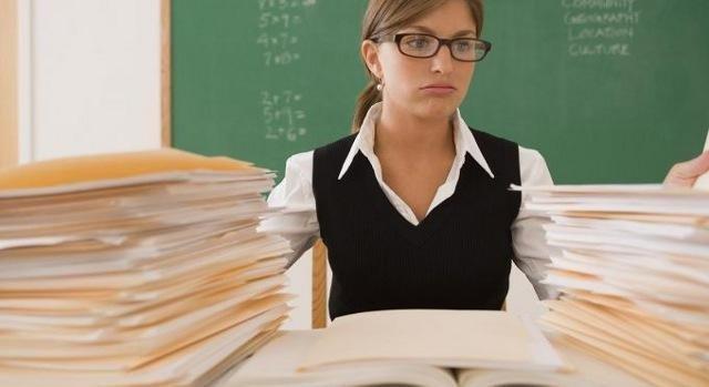 Зарплати вчителям і медикам все-таки підвищать: Зеленський розповів, коли