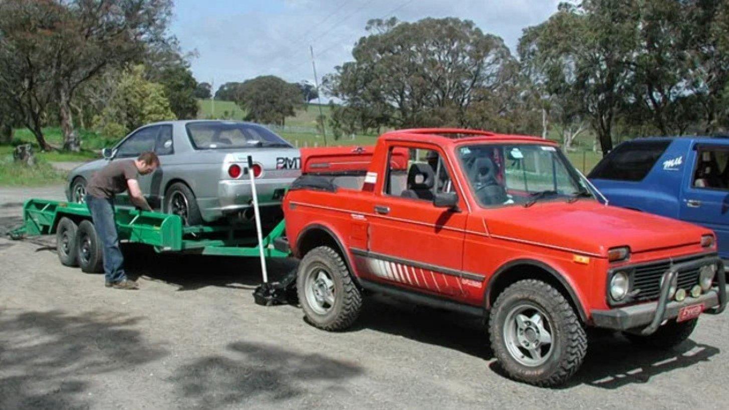 У Мережі показали кабріолет Lada Niva