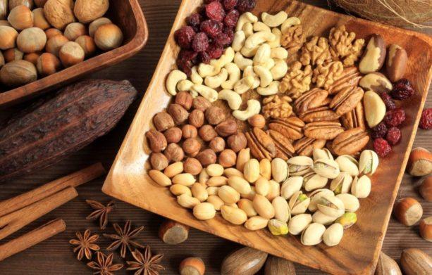 Названы продукты питания для разжижения крови: кардиологи рекомендуют