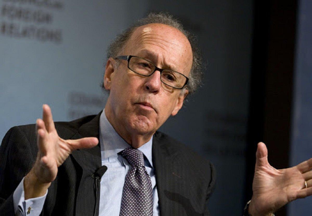 Доллар уже не спасти: американский аналитик ошарашил мир финансовым прогнозом