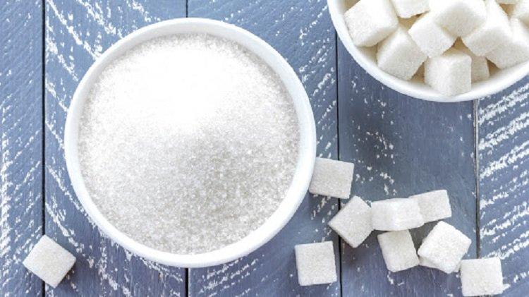 В Україні дефіцит цукру, торговельні точки підняли ціни і продають не більше 5 кг в одні руки
