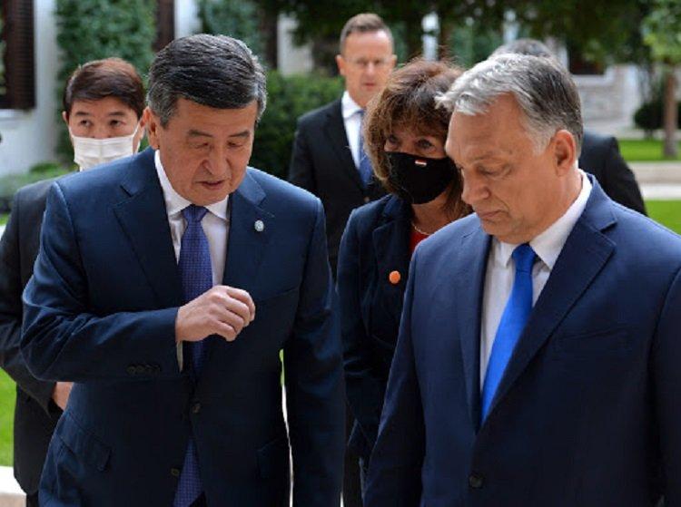 Президент і прем'єр Киргизстану зникли: в будь-який момент країна може скотитися в хаос