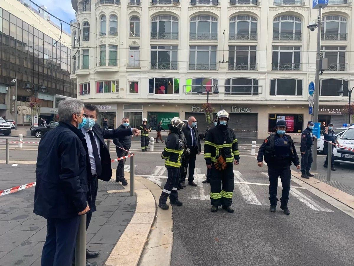 Теракт в Ницце: вооруженный человек с криком «Аллах акбар» напал на прохожих в базилике Нотр-Дам