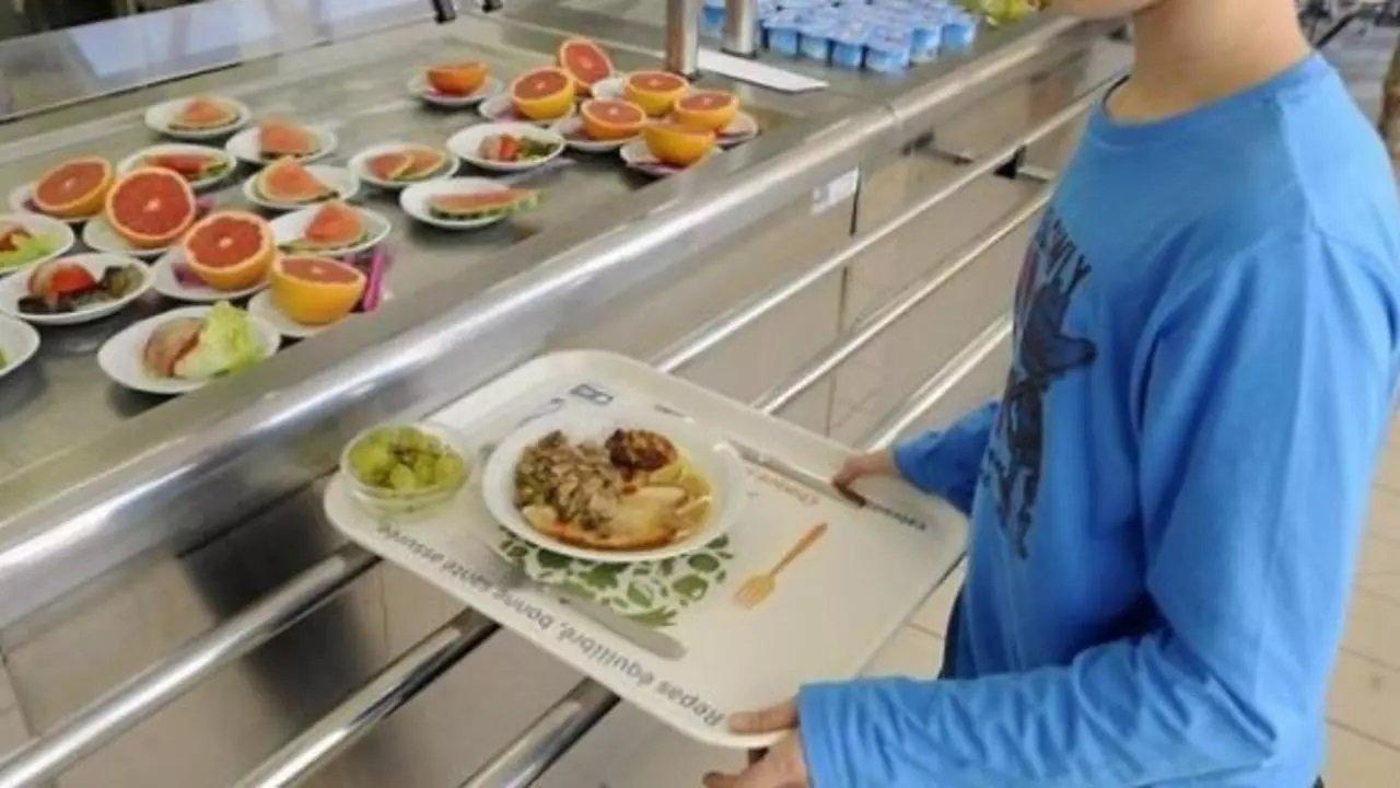 Шкільні їдальні готуватимуть тільки корисну їжу: МОЗ переглянуло дитяче меню
