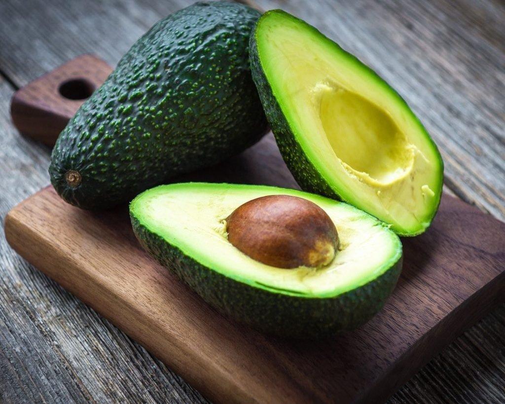 Назван фрукт, который полезнее чеснока и имбиря в период эпидемии коронавируса