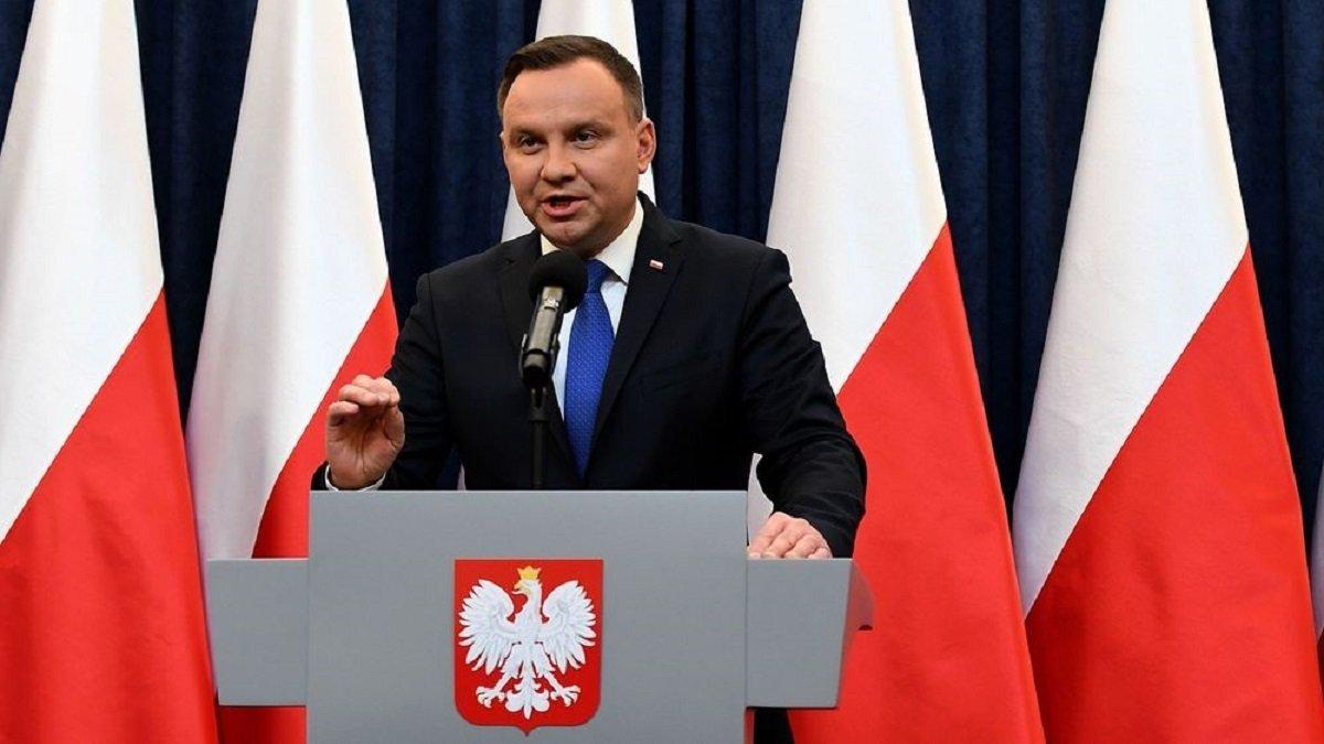 Бунти в Польщі загрожують центральній владі: Дуда передумав забороняти аборти в країні
