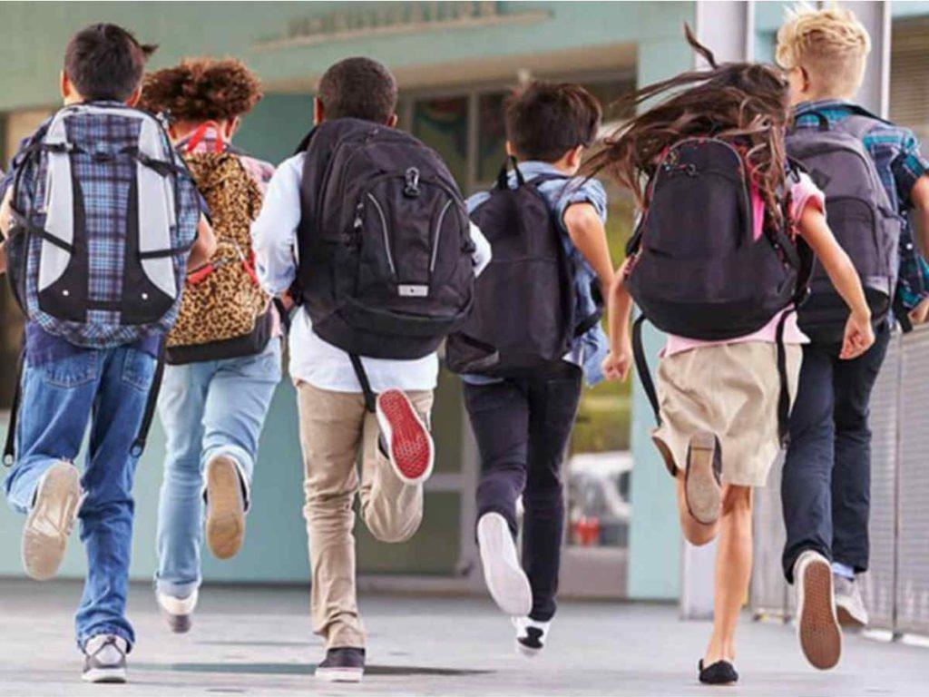 Осінні канікули для школярів настануть раніше: названа причина