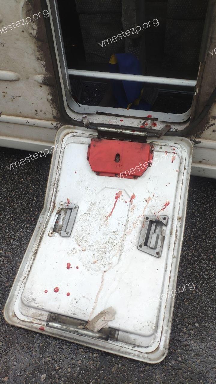 ДТП в Запоріжжі: перекинулася маршрутка з пасажирами, кількість постраждалих уточнюється