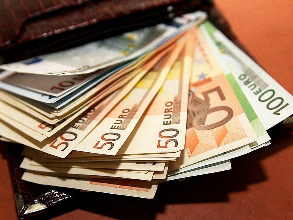 Що буде з курсом долара в Україні після продовження карантину: прогноз аналітиків
