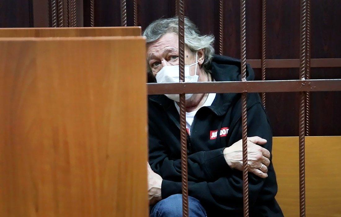 Семье водителя, погибшего в ДТП с Ефремовым, оказалось мало его денег: они требуют еще