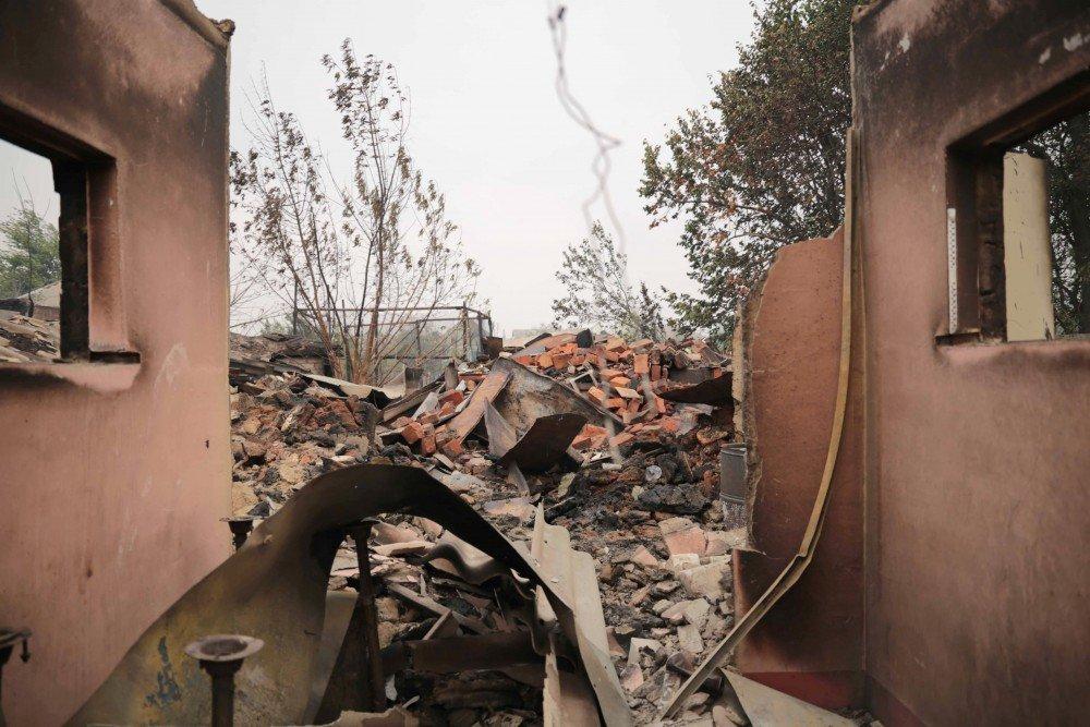 Пожежі в Луганській області: МНС задихається в прямому і переносному сенсі - гинуть люди