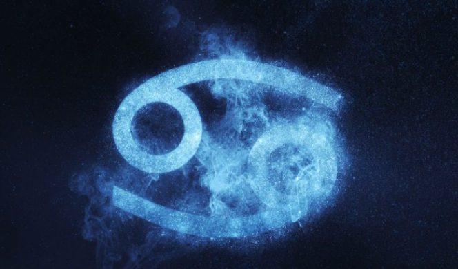 Гороскоп на 31 декабря для всех знаков Зодиака: Павел Глоба обещает Близнецам удачный день, а Рыбам советует хорошенько отдохнуть