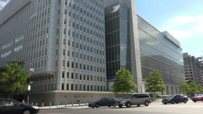 Всесвітній банк погіршив прогнози показників економіки України на найближчі роки