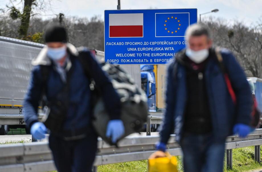 Украинские заробитчане уже восстановили экономику Польши после кризиса: столько иностранцев у соседей еще не было